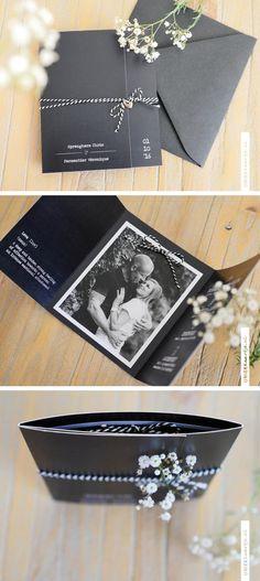 Dit bruidspaar uit België wist één ding zeker: hun trouwkaart moest chique & zwart zijn. Het werd een zwarte drieluik op linnen papier, met – als finishing touch – een antiek bedeltje aan bakkerstouw | uniekkaartje.nl Wedding Gift Wrapping, Wedding Cards Handmade, Diy Wedding, Wedding Gifts, Dream Wedding, Wedding Day, Rustic Invitations, Invitation Design, Wedding Invitations