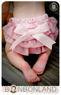 Easter / Passover ruffled baby bloomers diaper by bonbonLand on etsy.