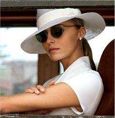 *** seguici sulla nostra bacheca... diventa nostra fan... Luxury Moda donna fashion chic glamour