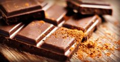 Trouble concentrating? According to a recent study, dark chocolate may help boost your alterness: http://blog.lifeextension.com/2015/08/dark-chocolate-increases-attention.html #chocolate #focus
