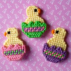 Plastic Canvas: Chicks in Eggs Magnets (set of 3) by ReadySetSewbyEvie on Etsy