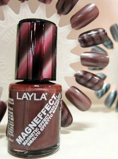Magnetic fingernail polish that, when wet, you can manipulate with a magnet and it stays that way when it dries. Magnetic Nail Polish, New Nail Polish, Dry Nails, Makeup Rooms, How To Do Nails, That Way, Pretty Nails, You Nailed It, Hair And Nails