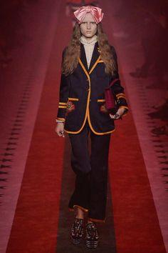 Gucci Spring 2017 Ready-to-Wear Fashion Show