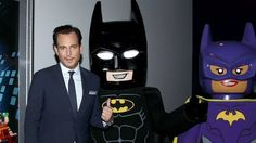 """Siri will pretend to be the Batcomputer if you say this word Read more Technology News Here --> http://digitaltechnologynews.com  Siri got a Lego Batman-themed update.  Apple's digital assistant will surprise you with references to The Lego Batman Movie if you pretend she is the Batcomputer.   SEE ALSO: Will Arnett prank calling a toy store as Lego Batman is so damn funny  The gimmick works if you say """"Hey 'Puter"""" or """"Hey Computer"""" (gravely Will Arnett voice not required). When you do Siri…"""