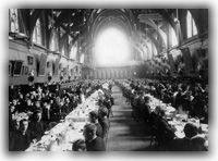 Memorial Hall, Harvard's central refectory in 1898, featured waiters and white linens.