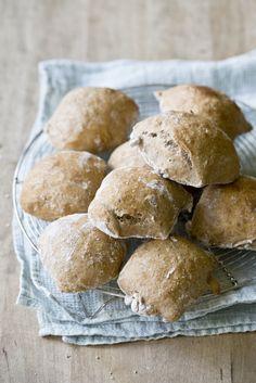 Vegan Vegetarian, Vegetarian Recipes, Baking Recipes, Cake Recipes, Piece Of Bread, Pretzel Bites, Bread Baking, Nom Nom, Delish