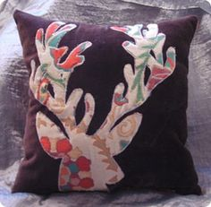 DIY Home Decor | Make an Anthropologie-inspired deer applique pillow with this tutorial!