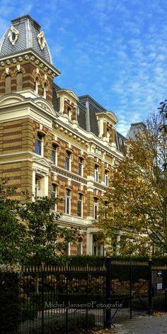 Rotterdam - Scheepvaartkwartier (Parklaan). Loopt van Veerhaven naar het Park. Meeste huizen  gebouwd in het midden van de 19e eeuw.