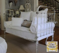 Oh, so sweet Daybed, Living Room. White, Grey, Chippy, Shabby Chic, Whitewashed, Cottage, French Country, Rustic, Swedish decor Idea. ***Repinned from Karen Harper ***.