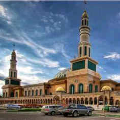 Islamic Center, Samarinda, East Kalimantan, Indonesia Islamic Center, Beautiful Mosques, All Over The World, Bellisima, Taj Mahal, Culture, History, Building, Travel