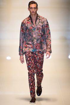 Pasarela: Botánica oriental como nueva regla de estilo... @gucci SS14 #MFW #Menswear // http://www.vogue.mx/desfiles/primavera-verano-2014-milan-gucci-menswear/7046