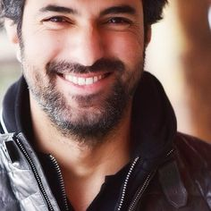 Kara Para Ask - Prljavi novac i ljubav Turkish Men, Turkish Actors, Good Looking Men, Looking Gorgeous, Tv Series 2017, Latin Men, Keanu Reeves, Best Actor, Best Tv