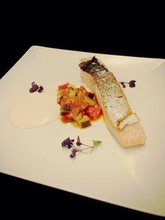 Salmon con mayonesa de txangurro y verduritas