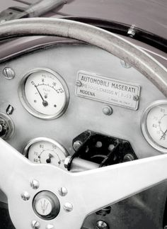 SUPERB CARS -         Classic Maserati... Dashboard details...