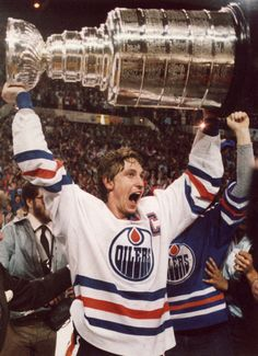 Wayne Gretzky raising the Stanley Cup | Edmonton Oilers | NHL | Hockey