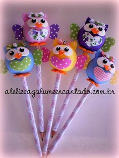 Lapices Foam Crafts, Diy And Crafts, Crafts For Kids, Clay Pen, Pen Toppers, Diy Upcycling, Clay Animals, Pasta Flexible, Polymer Clay Crafts