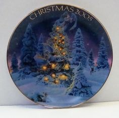 """Avon """"Angel Lights"""" Christmas 2005 Frank Riccio Decorative Plate, no box. This beautiful plate is in good condition. It is for decorative purposes only - may poison food.  I do offer a combined shipping discount. Due to the cost of internationa..."""