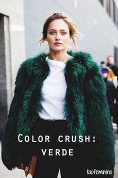 Que tal uma pitada de cor pra variar o pretinho básico do Outono-Inverno? Nós (e as blogueiras mais pinadas do Pinterest) elegemos o verde!