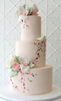 Featured Cake: Faye Cahill Cake Design; Wedding cake idea. cake decorating ideas