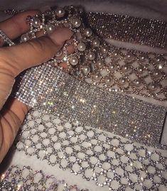 ••pinterest   ♡ ᒪOVEANDLOUBS ♡•• Bling Choker, Diamond Choker, Chocker, Bling Bling, Bling Jewelry, Body Jewelry, Jewelery, Prom Jewelry, Woozi