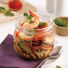 Soupe ramen aux crevettes au micro-ondes Macaroni, Easy Meals, Easy Recipes, Cantaloupe, Shrimp, Good Food, Meat, Fruit, Lunches
