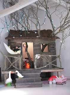 tree house - this is amazing www.twinsgiftcompany.co.uk