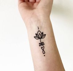This Unalome Lotus Temporary Tattoo is just one of the custom, handmade pieces you'll find in our body jewelry shops. This Unalome Lotus Temporary Tattoo is just one of the custom, handmade pieces you'll find in our body jewelry shops. Cute Henna Tattoos, Henna Tattoo Designs Simple, Tattoo Diy, Henna Tattoo Hand, Small Tattoo Designs, Finger Tattoos, Hand Tattoos, Small Tattoos, Pretty Tattoos