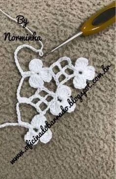 ☘️ PAP - Resumido : Iniciar com 16 correntinhas faz 1 ponto baixíssimo, fechando argolinha; Crochet Tree, Crochet Lace Edging, Crochet Motifs, Crochet Diagram, Crochet Gifts, Irish Crochet, Crochet Shawl, Crochet Flowers, Crochet Stitches