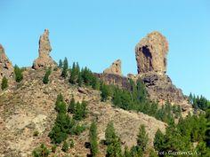 Esta hermosa foto de un lugar de Gran Canaria, llamado Roque Nublo. Al lado la piedra llamada el Fraile y la Rana¡¡ mcga.- Canario, Canary Islands, Belleza Natural, Monument Valley, Nature, Travel, Rock, Water Colors, Traveling