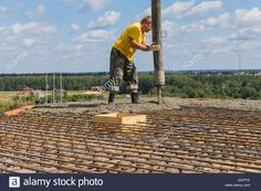 Download this stock image: Construction work, installation of a floor level in a country house. - J2JPYX from Alamy's library of millions of high resolution stock photos, illustrations and vectors.