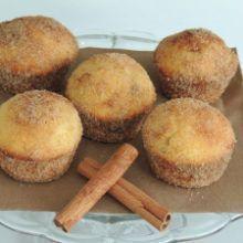 Škoricové muffinky plnené Nutellou Cap Cake, Pavlova, Coco, Muffins, Deserts, Food And Drink, Sweets, Baking, Drinks
