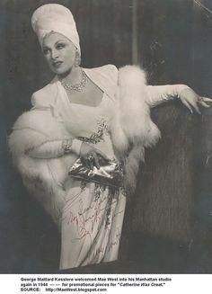 Mae West 1944