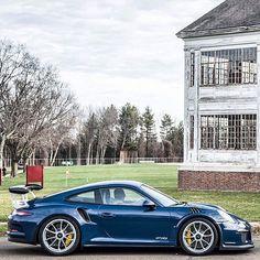 Porsche 911 GT3 RS. Dark Blue Metallic with Ceramic Composite Brake.