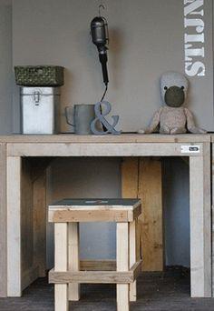 Bouwtekening bureau steigerhout Pallet Furniture, Pallet Desk, Old Wood, Recycled Materials, Wood Pallets, Barn Wood, Kids Room, Interior Decorating, Diy Crafts