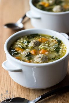 This recipe for Italian Wedding Soup is hearty and delicious! Perfect for those cold wintry nights ahead! Italian Recipes, Beef Recipes, Soup Recipes, Dinner Recipes, Cooking Recipes, Healthy Recipes, Dinner Ideas, Healthy Food, Italian Wedding Soup Recipe