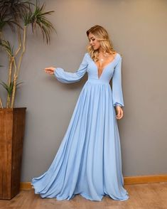 Amazing long blue dress and blonde hair Gala Dresses, Quinceanera Dresses, Blue Dresses, Evening Dresses, Formal Dresses With Sleeves, Mode Chic, Beautiful Gowns, Dress To Impress, Designer Dresses