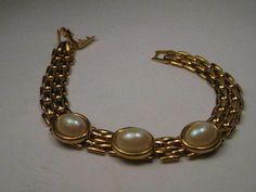 "Vintage Gold Tone Faux Pearl Cabochon Basket Weave Link Bracelet, 7.25"" #Unsigned #BasketWeaveLinkwithFauxPearls"