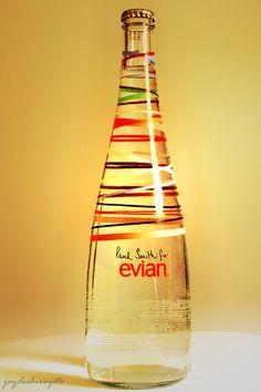Jetzt hier registrieren https://apps.facebook.com/evian_pinterest und 1 von 50 exklusiven evian Vintage Flaschen und 1 iPad gewinnen