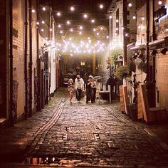 Creaswell Lane #glasgow #night by beardyphil http://instagr.am/p/QXvtrbterx/