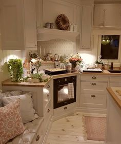 Nothing says home like the smell of baking Double tap if you ❤️ pastries! Credit: Most Popular Kitchen Design Ideas on 2018 & How to Remodeling ▫️ ▫️ ▫️ ▫️ Shabby Chic Kitchen, Home Decor Kitchen, New Kitchen, Kitchen Interior, Kitchen Dining, Kitchen Cabinets, Small Galley Kitchens, Home Kitchens, Industrial Kitchen Design