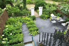 Shady garden Holland Park - Charlotte Rowe / repinned on toby designs