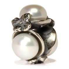 """""""TriplePearl"""" Bead   I love Pearls! This one is a lovely white color!"""