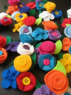 easy felt flowers - lots of awesome tutorials