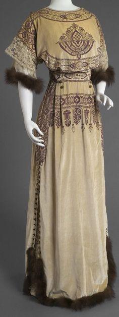 Woman's Reception Dress. Designed by Callot Soeurs, Paris, 1895 - 1935. http://www.philamuseum.org/collections/permanent/70405.html