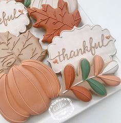 Leaf Cookies, Fall Cookies, Pumpkin Cookies, Holiday Cookies, Sugar Cookies, Fall Decorated Cookies, Bakers Gonna Bake, Thanksgiving Cookies, Halloween Cookies