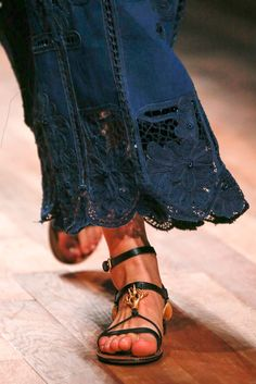 Valentino Spring 2015 Ready-to-Wear - Collection - Gallery - Look 5 - Style.com