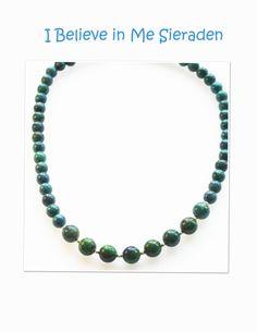 I Believe in Me Sieraden levert uit eigen atelier handgemaakte sieraden van edelstenen,  mineralen, parels en sterling zilver, bijv. Lapis Lazuli, sodaliet, onyx, carneool, amazoniet, aquamarijn  en rozenkwartsMooi collier met een centrepiece van wafelvo -