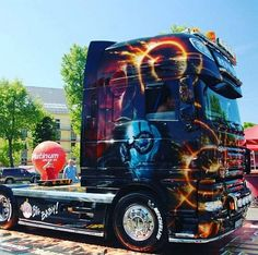 DAFXF Show Trucks, Big Rig Trucks, Scania V8, Truck Paint, Trucks And Girls, Cool Paintings, Custom Paint, Cars And Motorcycles, World