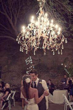 Dança dos noivos - casamento vintage#vintage wedding ... Wedding ideas for brides, grooms, parents & planners ... https://itunes.apple.com/us/app/the-gold-wedding-planner/id498112599?ls=1=8 … plus how to organise an entire wedding, without overspending ♥ The Gold Wedding Planner iPhone App ♥