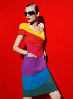 Color Please ~ Rainbow dress Rainbow Fashion, Colorful Fashion, Image Mode, Trends Magazine, French Fashion Designers, Bunt, Fashion Beauty, Women's Fashion, Fashion Photography